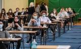 Matura 2021: matematyka. Co pojawiło się w tym roku na maturze? Jakie są pierwsze wrażenia maturzystów?