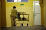 Salowe ze szpitala wojewódzkiego w Białymstoku zatrudnione przez firmę zewnętrzną wciąż bez dodatków covidowych