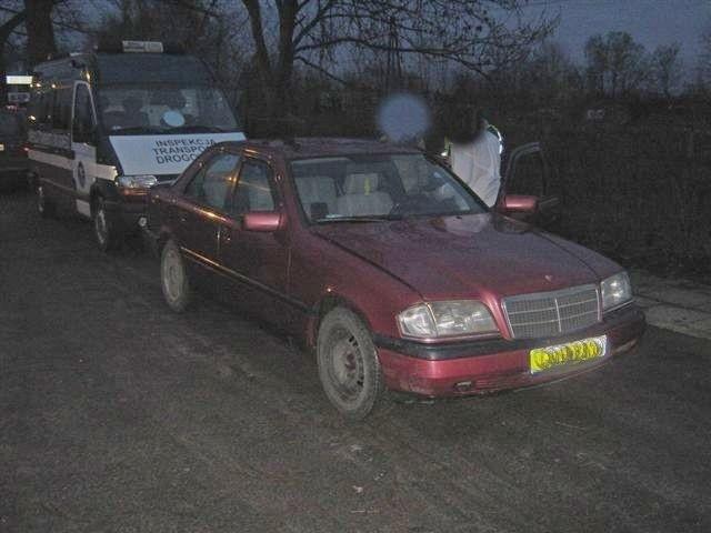 Woził pasażerów taniej niż taksówki. Wpadł w ręce Inspekcji Transportu Drogowego.