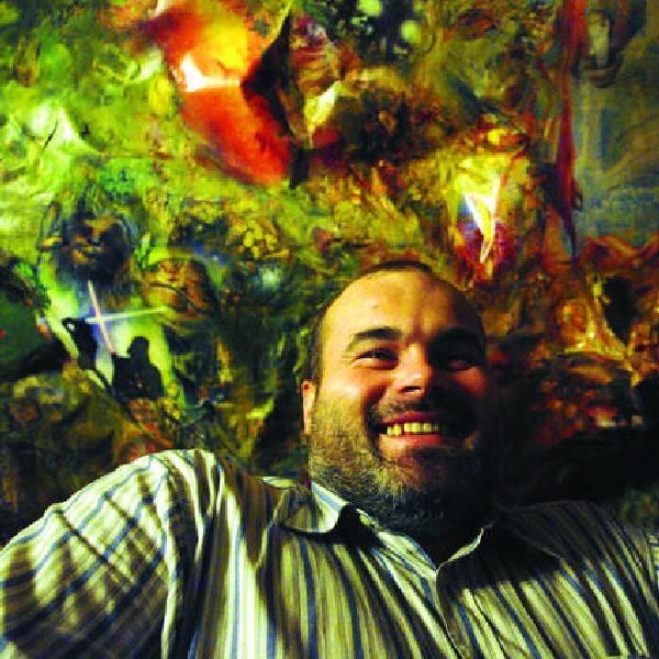 W pracowni Andrzeja Masianisa z wydętego sufitu spozierają na gości setki ciekawskich oczu.