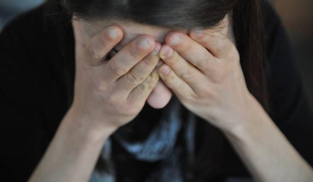 42-letni mieszkaniec jednej z podobornickich wsi usłyszał zarzut seksualnego wykorzystywana 13-letniej dziewczynki. Jego ofiara mieszkała kilka domów obok.