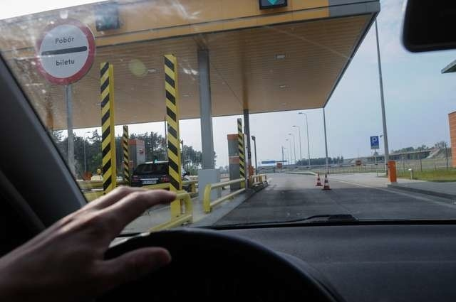 Bramki na autostradzieBramki na autostradzie, do tekstu Z.Juchniewicza