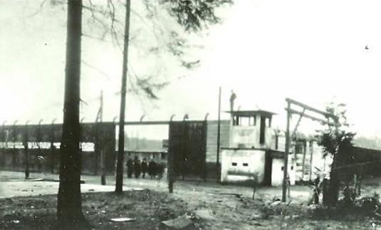 Krematorium jest częścią obozowej infrastruktury, którą...