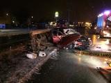 Radom. Śmiertelny wypadek BMW na alei Grzecznarowskiego. Kierowca był pijany. Siedzi w areszcie