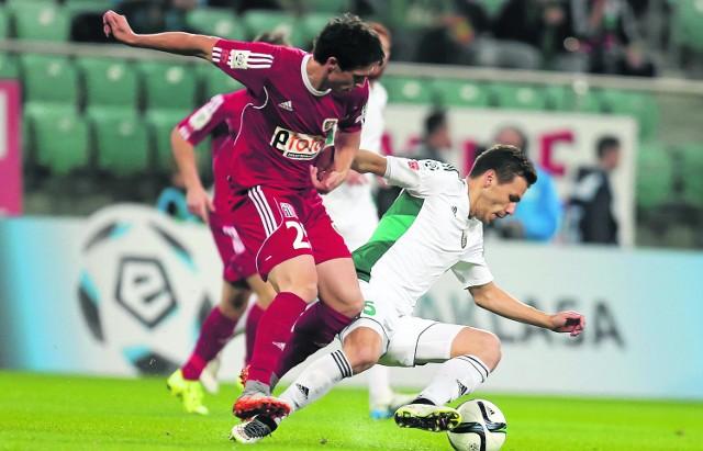 Kamil Vacek (z lewej) to jedno z odkryć tego sezonu w Piaście. Chciał go w zespole trener Radoslav Latal