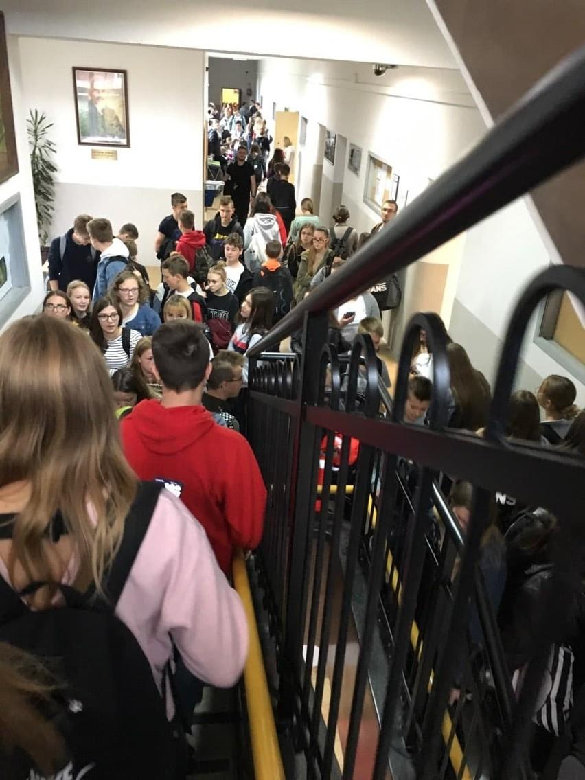 Nowy Sącz. Podwójny rocznik w liceach to lekcje na zmiany i tłok na korytarzach