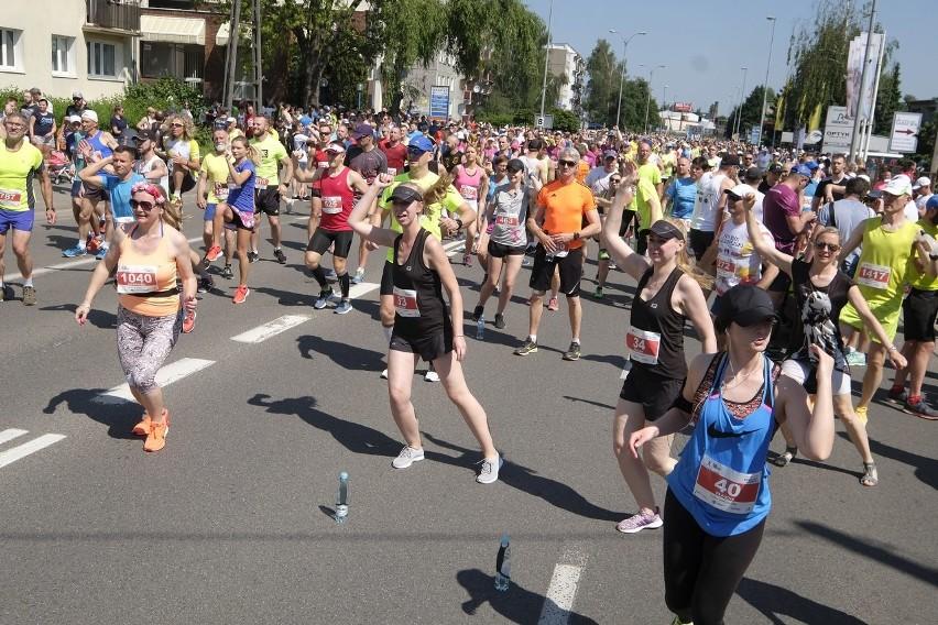 Bieg Szpot Swarzędz 2019 na dystansie 10 kilometrów zorganizowano pod Poznaniem po raz ósmy. W tym roku wystartowało ponad 2 tysiące zawodników. Start biegu zlokalizowano na ulicy Cieszkowskiego, a metę na stadionie miejskim. Przejdź dalej --->