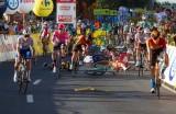 Wypadek Jakobsena na Tour de Pologne. - Przesłuchaliśmy 3 świadków, zabezpieczyliśmy rowery - prokuratura