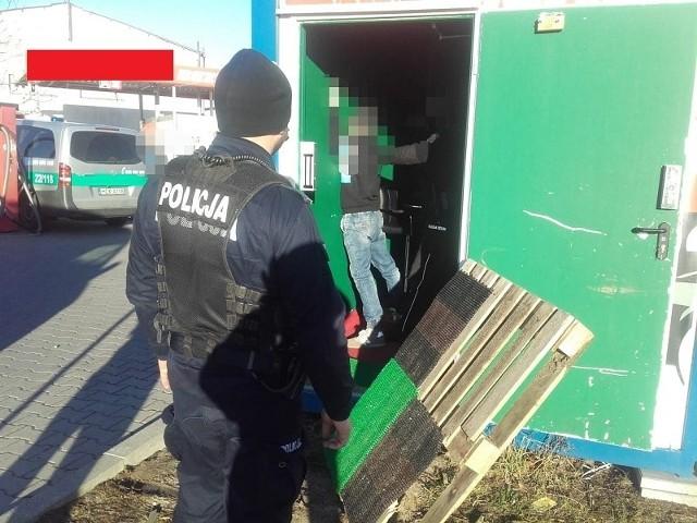 Policjanci zabezpieczyli automaty do gier w Lęborku.