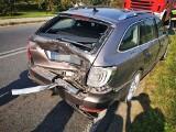 Wypadek w Konikowie. Dwie osoby poszkodowane [ZDJĘCIA]