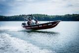 Podkarpaccy strażacy - nurkowie szkolą się w Polańczyku nad Jeziorem Solińskim