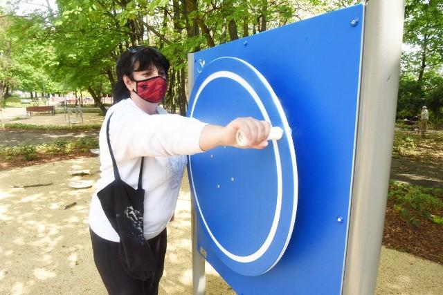 Takie urządzenia do ćwiczeń pojawiły się w parku przy Jaskółczej w Zielonej Górze.