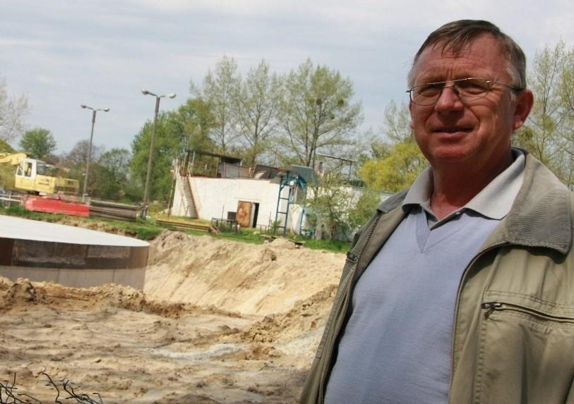 - W połowie maja planujemy wmurować kamień węgielny - zapowiada Henryk Loba.