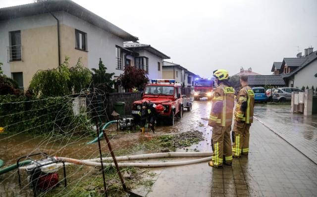 Po ostatnich ulewach w południowej części Rzeszowa ulicami płynęła woda.