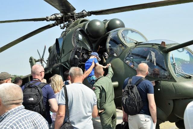 Święta 56. Bazy Lotniczej połączone z Kujawskimi Piknikami Śmigłowcowymi zawsze cieszą się dużym zainteresowaniem. Uczestniczą w nich miłośnicy lotnictwa wojskowego z całej Polski