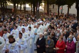 Uroczystości pielgrzymkowe w Sulisławicach. Setki wiernych z całej diecezji na placu przed Sanktuarium [DUŻO ZDJĘĆ]
