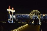 Tysiące światełek na królewskim dworze. Rozświetlona wystawa 120 kilometrów od Łodzi ZDJĘCIA