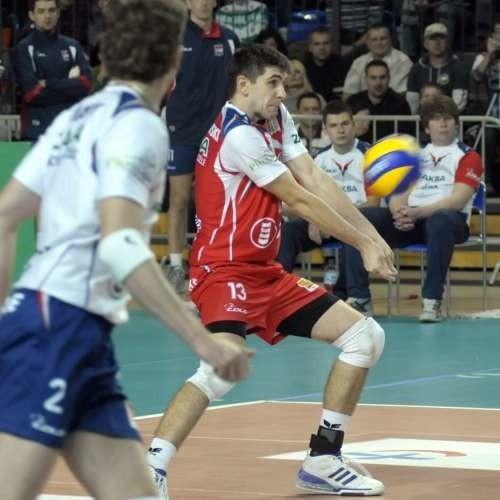 Marcin Mierzejewski w tygodniu przeszedł grypę żołądkową, ale w Warszawie powinien zagrać.