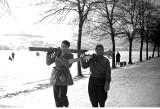 Zabawy krakowian w zaśnieżonym mieście na archiwalnych zdjęciach [GALERIA]