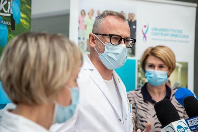 Briefing prasowy w  Uniwersyteckim Szpitalu Klinicznym w Białymstoku z okazji Dnia Świadomości Raka Jajnika.