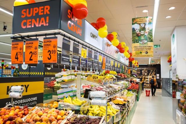 Dziś postanowiliśmy sprawdzić aktualne ceny w popularnych dyskontach: Biedronka, Lidl, Netto i Polomarket. Ceny poznasz w dalszej części galerii >>>>