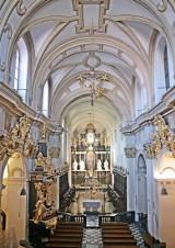 Półnagi mężczyzna tańczył na ołtarzu w Tyńcu. Jest dochodzenie w sprawie obrazy uczuć religijnych