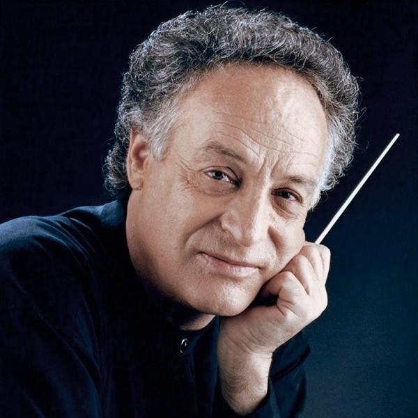 Piątkowym koncertem Filharmonii Poznańskiej zadyryguje Yoav Talmi.