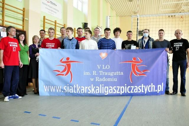 Siatkarską Ligę Szpiczastych założył Jakub Pastuszka, siatkarz Czarnych Radom, który wygrał walkę z białaczką