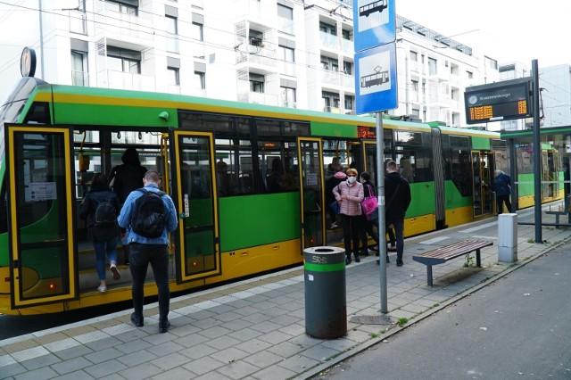 Wszystkich Świętych 2020: Autobusy i tramwaje będą kursować częściej także w weekend 7-8 listopada.