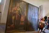 """Nysa. Niesamowite odkrycie w bazylice! 300-letnie obrazy były schowane przez ponad wiek """"pod kocem"""""""