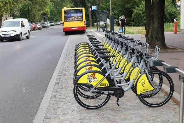 W centrum Łodzi pojawiło się na razie 30 stacji z 300 rowerami publicznymi.