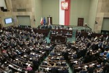 """Sejm potępił rosyjską manipulację historią. """"Jeden poseł Janusz Korwin-Mikke miał to gdzieś"""""""
