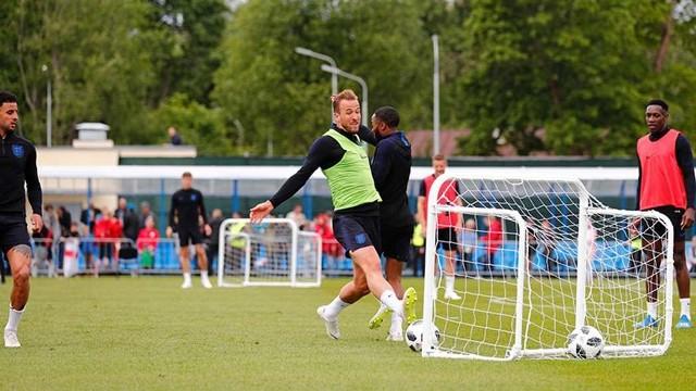 Harry Kane podczas treningu reprezentacji Anglii przed meczem z Tunezją