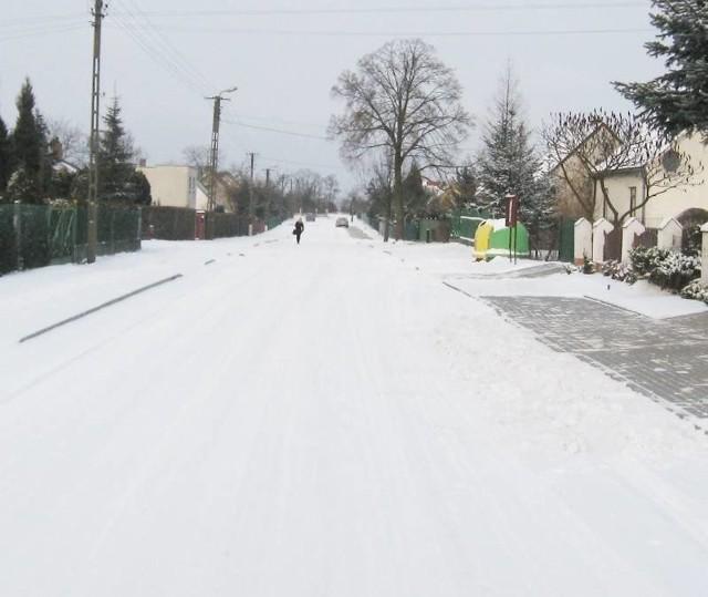 Ulica Wiśniowa w zimowej szacie