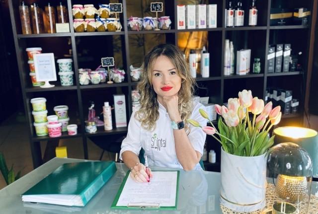 Edytą Kluś-Ciuk, założycielka Shintai Day SPA, absolwentka Uniwersytetu Medycznego w Łodzi wydziału farmacji oraz kierunku kosmetologia estetyczna Warszawie.