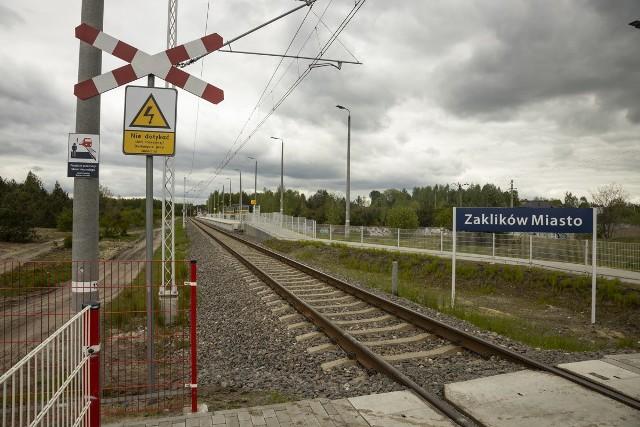 Przystanek Zaklików Miasto wyposażono w ławki, wiaty, tablice z nazwą stacji.Wybudowano też pochylnię dla osób o ograniczonych możliwościach poruszania się oraz nowe chodniki.