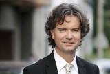 Filharmonia Zielonogórska zaprasza na kolejny koncert symfoniczny online. Znakomity pianista Paweł Kowalski zagra nam Mozarta