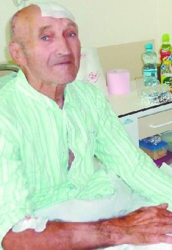 K. Tylenda wciąż przebywa w suwalskim szpitalu. Chorobę ojca dokumentuje syn. Policji dostarczył m.in. fotografie z wszystkimi obrażeniami. Funkcjonariusze takich zdjęć sami nie wykonali.