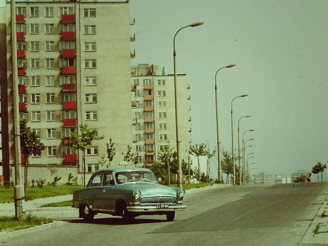 Lata 70. XX wieku, wołga przy ulicy Kazimierza Wielkiego.