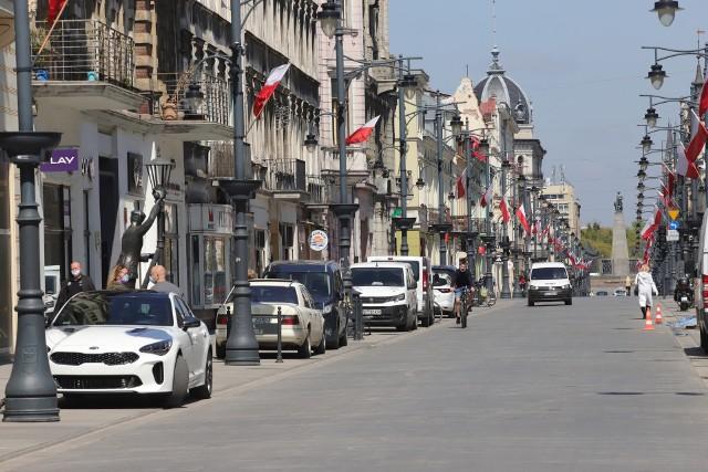 Z możliwości wjazdu i zatrzymania się na Piotrkowskiej korzystało wielu kierowców. Niektórzy nadużywali tego prawa