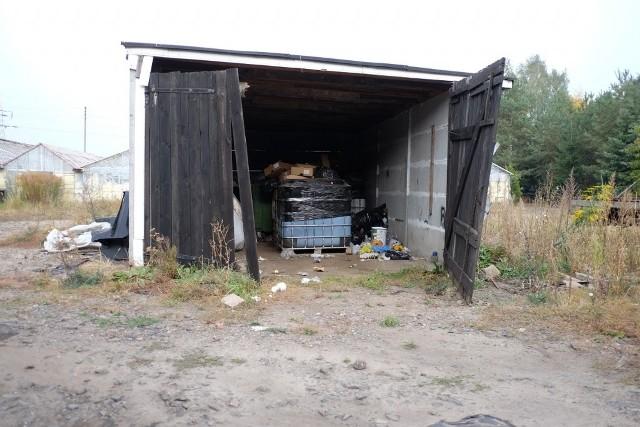 Podpoznańskie Janikowo to kolejna miejscowość, gdzie znajdują się odpady pozostawione przez firmę z Budzynia. Podobnych magazynów w całej Polsce jest jednak dużo więcej