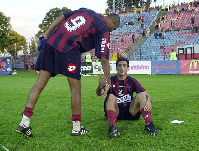 Pogoń - Wisła 0:5. Tylko siąść i płakać. Na zdjęciu Mauro (z lewej) i Claudio Milar.
