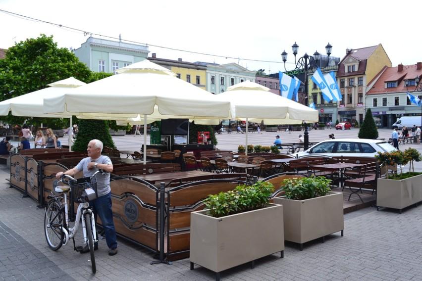 Kiedy kilka lat temu w Rybniku również postanowiono ujednolicić kolor parasoli, pomysł spotkał się z krytyką. W ubiegłym roku mogliśmy zobaczyć, że był to jednak dobry pomysł.