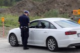 Prowadził auto bez uprawnień i był poszukiwany. Wpadł podczas kontroli drogowej nakielskiej policji