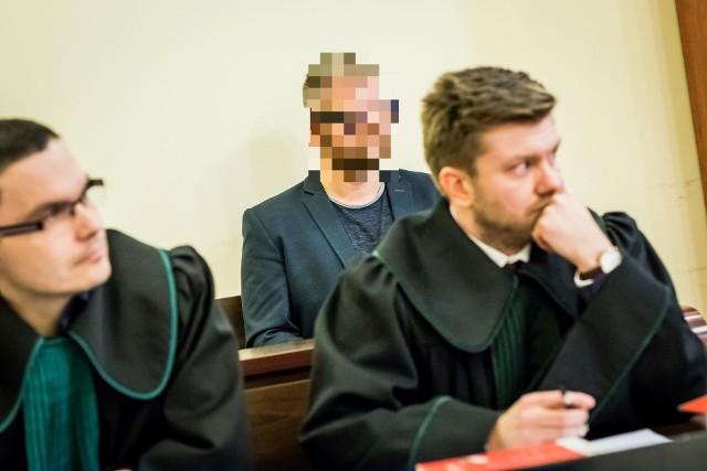 Rafał P. ma do odbycia dwa lata więzienia za kratami. Domagał się odroczenia i wstrzymania wykonania kary