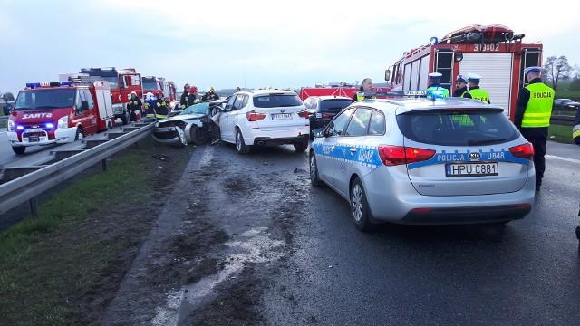 W poniedziałkowym karambolu uczestniczyło ponad 20 aut. Kilka osób zostało rannych