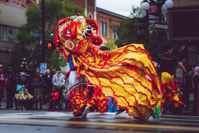 Nowy Rok w Chinach jest najważniejszym festiwalem. Nazywany bywa również Świętem Wiosny, a jego obchody trwają tradycyjnie piętnaście dni.