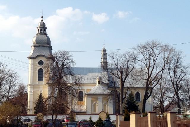 Parafia Rzymskokatolicka pw. Św. Mateusza Apostoła i Ewangelisty w Mielcu.