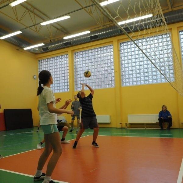 Siatkówka będzie jedną z wielu dyscyplin, jaką będą mogi uprawiać uczniowie podczas wf-u.