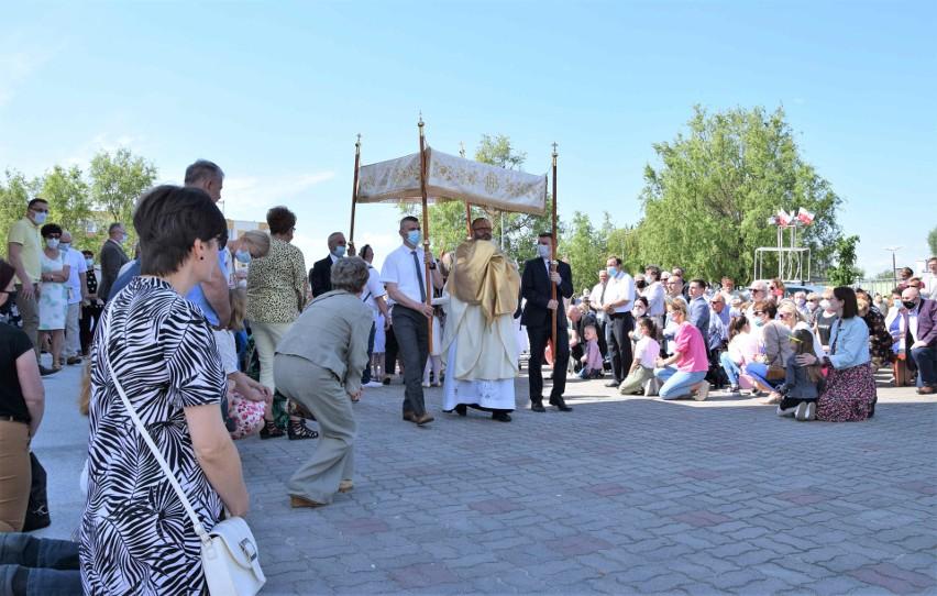 W br. większość procesji Bożego Ciała w Inowrocławiu...